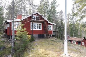Stugan i fritidshusområdet Bodarne har fått flest klick. Foto: Fastighetsbyrån Fagersta