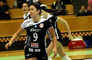 Caisa Johansson missar derbyt mot Lindesberg Volley på lördag på grund av bröllopsresa.