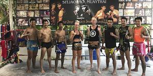 Johanna Persson och hennes tränare  David Lehnberg under sommarens träningsläger i Thailand. Bild: PRIVAT