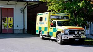 En av tre ambulanser tvingades stå stilla under ett dagpass på lördagen vid Sundsvalls sjukhus på grund av  korttidsvakanser.