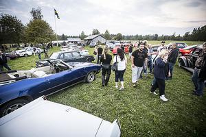 Nästan 700 personer samlade utanför hembygdsgården vid Kyrkås gamla kyrka.