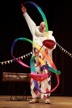 Nalle Clown  bjuder på en show utan språk. Foto: Camilla Kåller