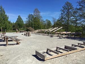 Med utsikt över Lindesjön, i närheten av Lindesberg arena, finns ett utegym för den träningssugne.