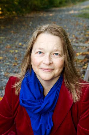 Annika Hamrud är före detta DN-journalist...som aldrig missar Bones på tv