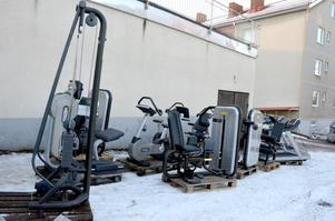 Företaget Qicraf hämtadet tillbaka de maskiner som leasats till iForm i Hedmora för att transportera dem till lagret i Stockholm.