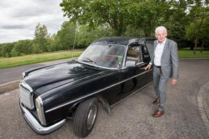 Torgny Götmar körde Ronnies kvarlevor från Jönköpings flygplats till krematoriet på Norra kyrkogården.