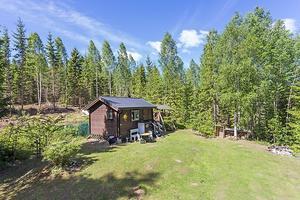 Foto: Malin af Kleen/ Bostadsfotograferna. Ett rum och kök i Västra Löa hamnade trea på klicktoppen.