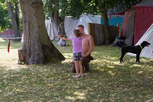 Bågskytte var en av aktiviteterna man kunde roa sig med under onsdagen.