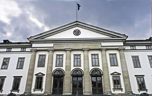 Den politiska majoriteten i Region Stocholm vill hitta en ny huvudman för Berga naturbruksgymnasium.