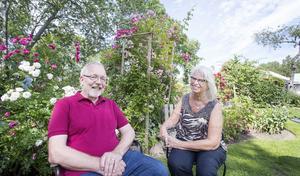 Pär och Kerstin Stawåsen har gott om perenner  i sin trädgård.