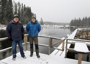 Leif Lindberg och Bengt Persson sitter båda i styrelsen för Gimåns övre fiskevårdsområde. De är inte oroliga för att catch and releasefisket skadar fisken. Men nya regler för fisket kommer ändå till nästa säsong, främst på grund av ökande vattentemperaturer.