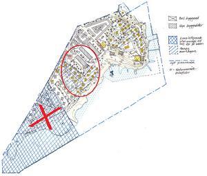 Det markerade området i mitten av kartan på Främby Udde vill de nya ägarna, Runn Resort AB bygga fritidslägenheter i tvåvåningslängor. Krysset markerar den tomt som de ville köpa in. Något som kommunen sagt  nej till. Foto: Falu kommun.