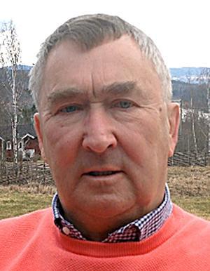 Lars-Erik Kalles (S) uttryckte ofro även för kommunens  totala låneskuld på