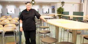 Bra måltidsmiljö är viktigt. De höga borden är populära på Kungsängsgymnasiet.