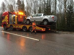 Bilbärgaren Christer Wowra arbetar vid olycksplatsen.