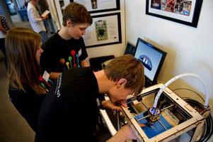 Den 6 mars hålls utställningen Unga Forskare i Borlänge, där gymnasieelever tävlar med projektarbeten inom naturvetenskap, teknik och matematik. Bilden är tagen i samband med riksfinalen i Stockholm 2012.