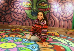 Amara Por Dios ställer ut på street art-galleriet Norra Station i Ljusdal.
