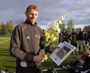 Fredrik Näsman fick i samband med gårdagens träning ta emot pris som vinnare av HT:s stjärnliga i år.