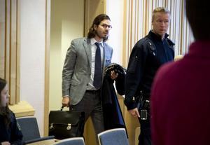 Stjärnadvokaten Slobodan Jovicic höll en timmeslång slutplädering.