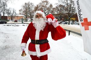 Samir Zuljevic var tomte förra året. Gunborg tror att han kommer dela ut julklappar även detta år.