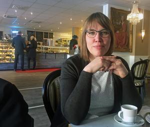 Västeråsförfattaren Angelica Öhrn är nominerad till Författarförbundets prestigefyllda debutantpris Slangbellan.