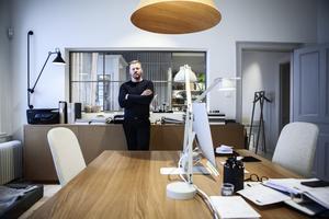 Nu driver David Fahlén inredningskontoret och butiken Lokal Koncept på Skeppsbron.
