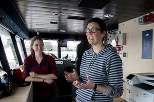 Sarah Greenwood  tillsammans med forskarkollegan Rachael Avery. De kommer båda från Storbrittannien och har sitt säte vid Stockholms universitet.