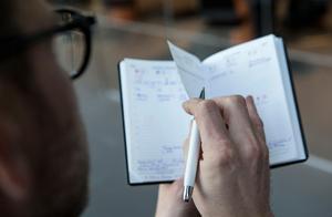 Planera  noga det du vill förändra, tipsar psykologen. Och dela gärna upp ett större mål i mindre delmål.Foto: Christine Olsson / TT
