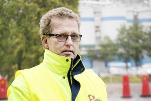 – Klart att det finns en viss oro när man går ut med sådana här besparingsprogram, men hur det kommer att drabba oss vet vi inte, säger Kjell Olsson, ordförande för Pappers avdelning 3 i Gävle Bruk.