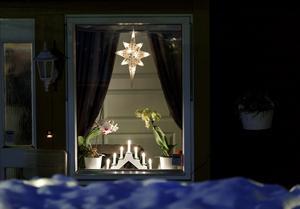 Idag är det första advent och ljus tänds runt om i Sverige.