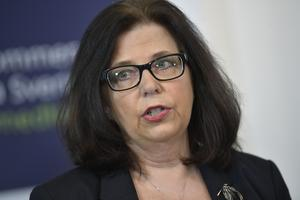 Arbetsförmedlingens generaldirektör Maria Mindhammar sa under måndagens pressträff alla som nu varslats måste vara redo att börja jobba igen när samhället återgår till det mer normala.