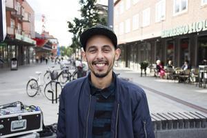 Omar Maziane kommer att hålla kurser i trummor på Rapatac.