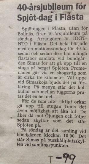 Olle Eriksson visade upp en tidningsartikel från 1999. Där skrevs det om att Spjötvandringen då firade 40 år.