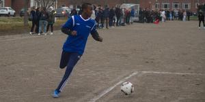Abdulkadir försökte få bollen i kassen, men fick inte den i mål.