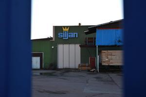 Siljanssågen i Mora är ett av två sågverk i Dalarna som ägs av Siljan Group.