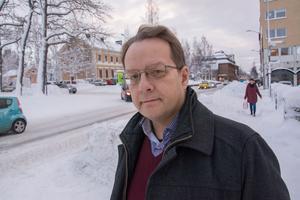 Bibliotekarien Thomas Drugg vill inte bära väst.