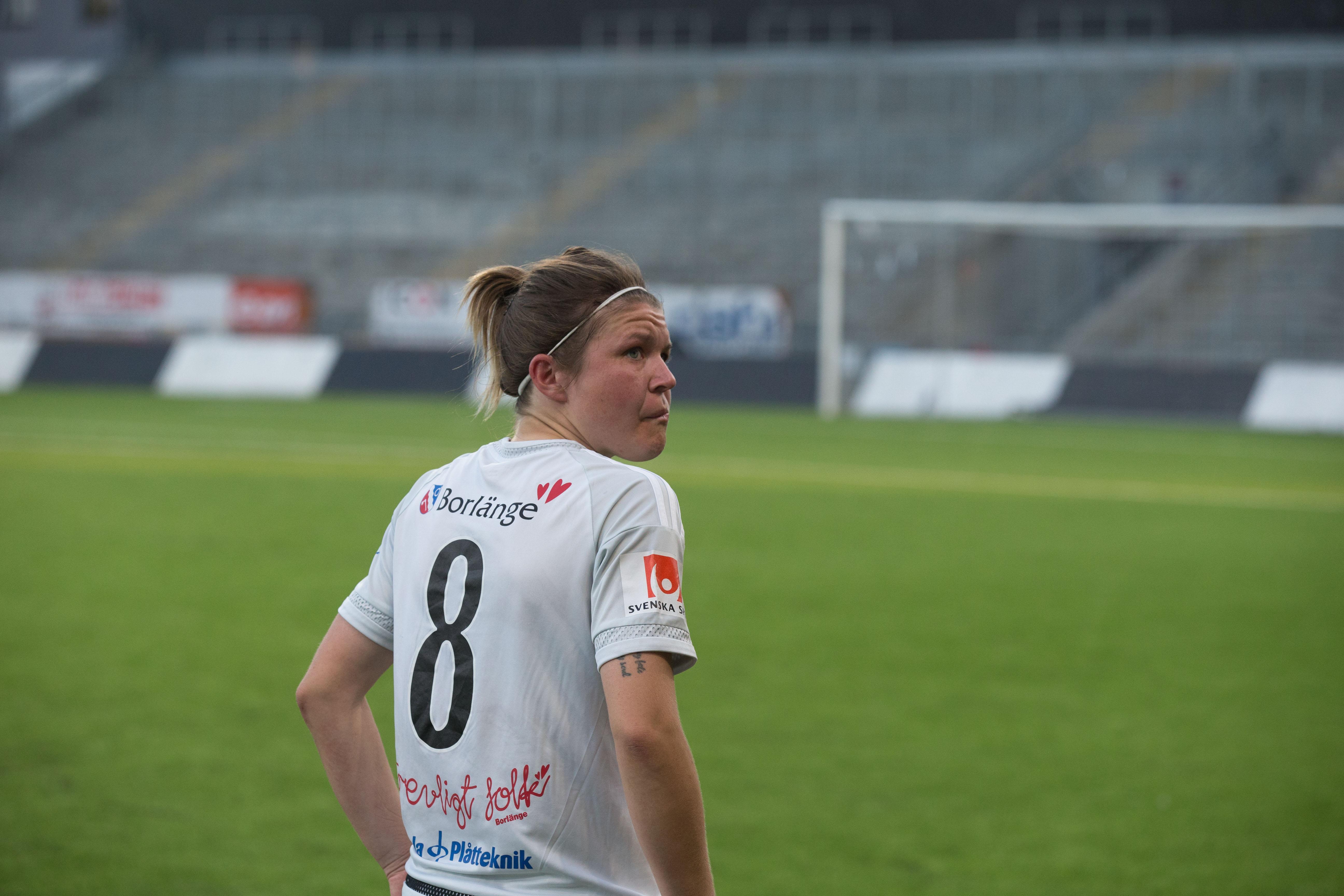 KIK-backen Michaela Hermansson deppar efter förlusten borta mot Kif Örebro i juli (1–2).