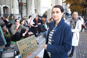 Katarina Strandahl och Cia Hessel har tillsammans startat klimatmanifestationen i Örebro som går under namnet Klimatfredag.