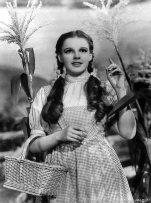 Judy Garland spelar Dorothy i