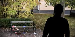 """Konflikten ska ha uppstått vid en parkbänk i Kyrkparken. """"Det började med ingenting. Det var totalt meningslöst"""" sade den knivskadade mannen i rätten. Foto: Polisens förundersökningsprotokoll"""