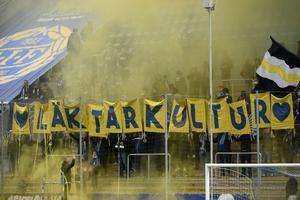 GIF-tifo före matchen mot AIK i år. Bild: Erik Mårtensson/TT.