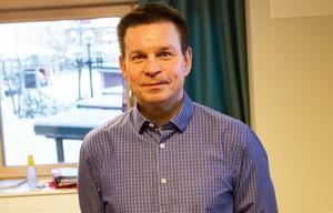 Ordförande Ove Schönning (S) argumenterade för att stängda möte skulle innebära en mer avslappnad atmosfär för de nyblivna nämndledamöterna.