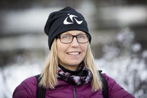 Eva Johansson, miljöpedagog på Gästrike Återvinnare, hoppas att Gävleborna återvinner så mycket som möjligt efter julfirandet.