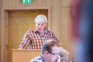 Vänsterpartiets Göran Jansson tror det blir dyrare för kommunen att säga nej än ja till en försäljning av Bro 4:4.