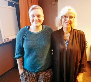 Ewelina Pettersson och Caisa Lindström, kvällens föreläsare. Ewelina är glad över att inte vara själv med sin diabetes och Caisa redogjorde för sin avhandling om utbrändhet hos diabetesföräldrar.Foto: Anna Forsberg
