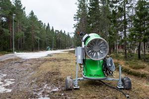 Den 500 meter långa längdåkningsslingan i Ånnaboda höll öppet en vecka direkt efter nyår, men nu har även den snön töat bort.