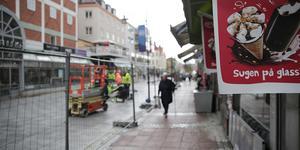 """""""Läste i Nya Ludvika Tidning  att gågatan i Ludvika har slutbesiktats. Jag och många med mig frågar sig vad vi har fått för nästan 9 miljoner?"""" Foto: Torbjörn Granling"""