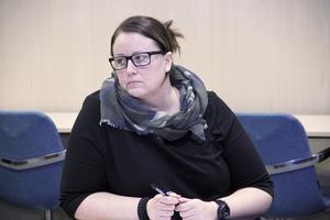 Stina Berg (M) yrkade på ett tillägg, för att det skulle bli tydligt hur mycket kommunen kan bli skyldig att betala för.