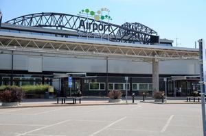 Sundsvall Timrå Airport får statligt bidrag för att kunna vara en av Sveriges beredskapsflygplatser – trots detta går flygplatsen minus med miljontals kronor.
