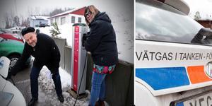 Förre kommunalrådet  i Kramfors Jan Sahlén och nya kommunalrådet Malin Svanholm inviger Kramfors första laddstation för elbilar.